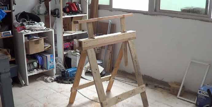 Cómo hacer un caballete o burra regulable en altura plegable