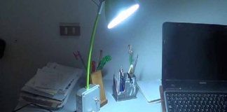 lámpara escritorio con cargador usb mediante reciclaje