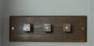 Cómo hacer un colgador de pared con madera y aluminio