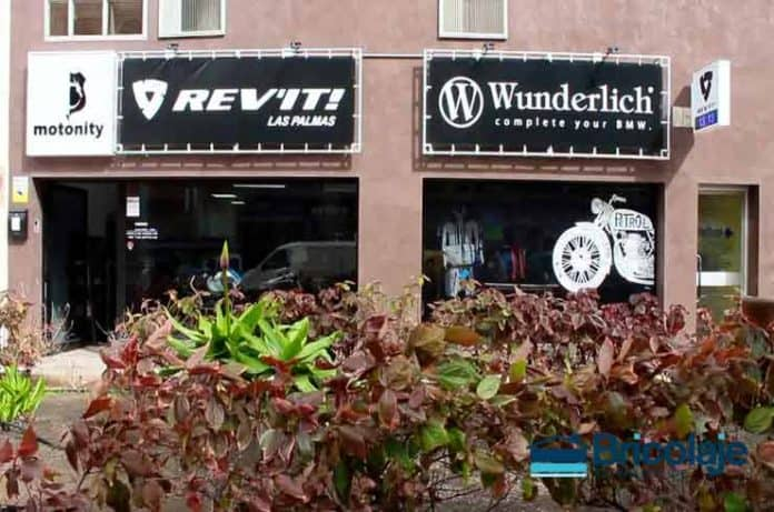 fabricación mobiliario tienda motos