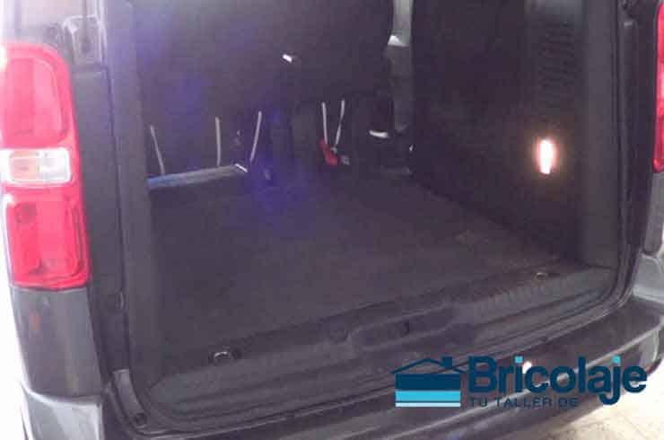 Proteger maletero coche con goma antideslizante