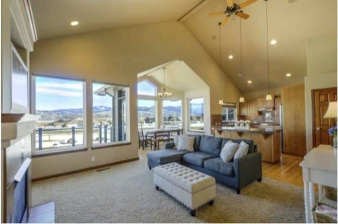 Prepara tu casa para la llegada del verano: aire acondicionado y cerramientos abatibles