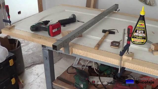 C mo aumentar el ancho a una puerta prefabricada for Sargentos de madera