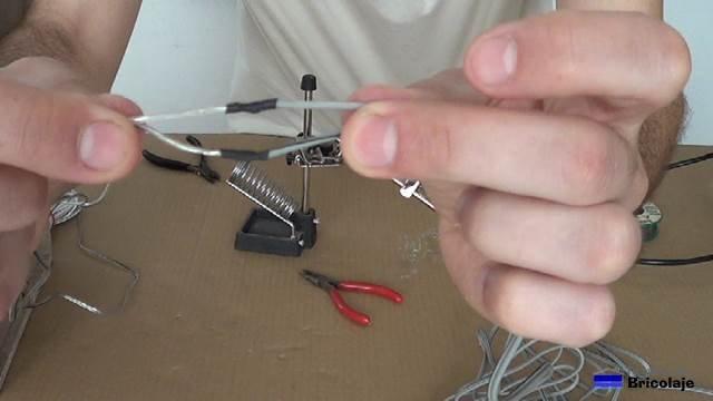 cable de audio soldado y aislado con termoretractil