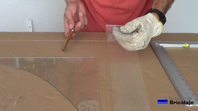 corte realizado con éxito en el cristal o vidrio