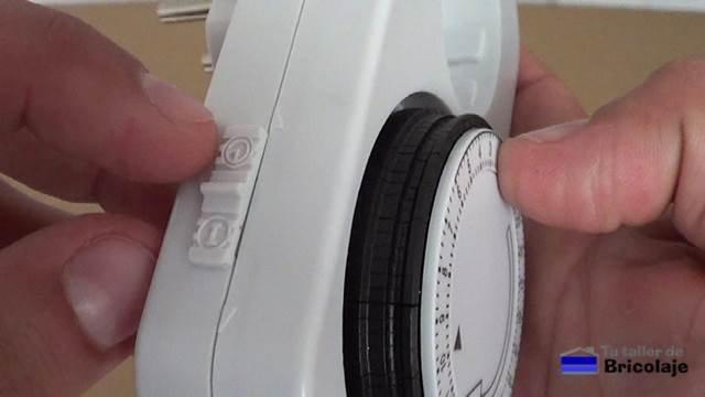 botón lateral con tres funciones: función programador, apagado y corriente constante
