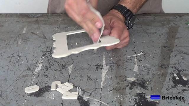 lijando la madera de marquetería