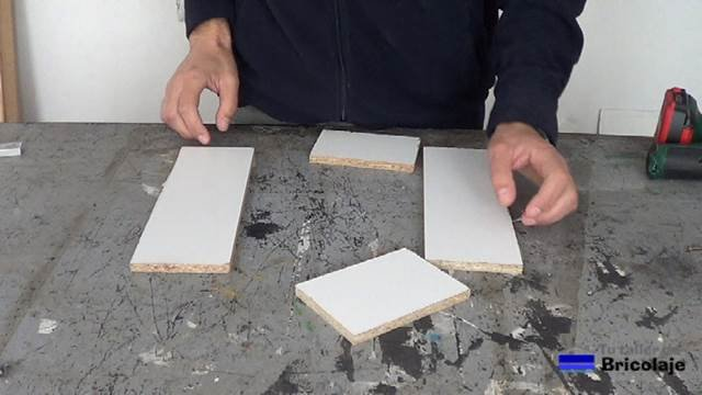 madera cortada para hacer el cajón para organizar los discos