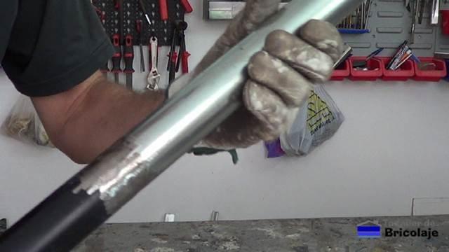 después de repasar la soldadura con la amoladora o radial