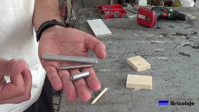 materiales necesarios para realizar la plantilla: manguitos de empalme o unión de distintas medidas o material similar