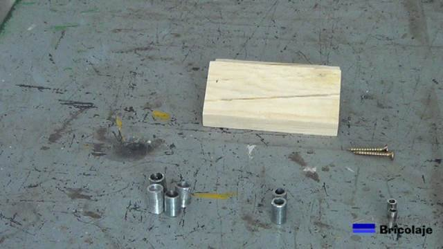 materiales necesarios para realizar la plantilla para colocar tarugos, espigas o tubillones