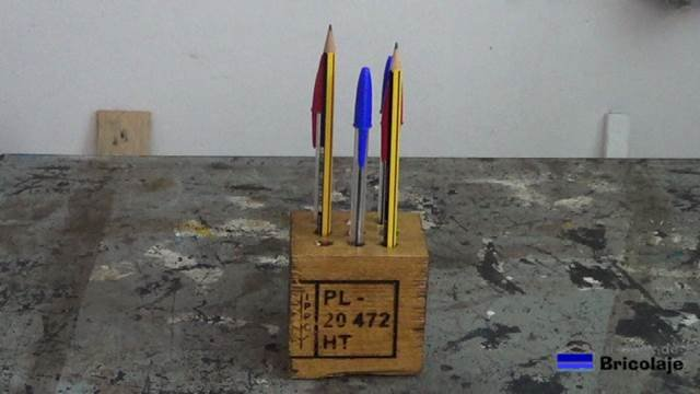 cómo hacer un portalápices o lapicero con madera de palets