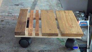 Cómo hacer una base de madera con ruedas para macetas