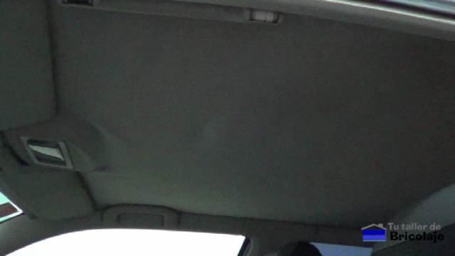 tapizado caído del techo de mí coche