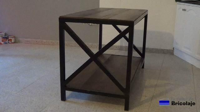 cómo hacer mesa de tv de hierro y madera de palets