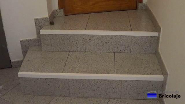 Cómo proteger los escalones de la escalera