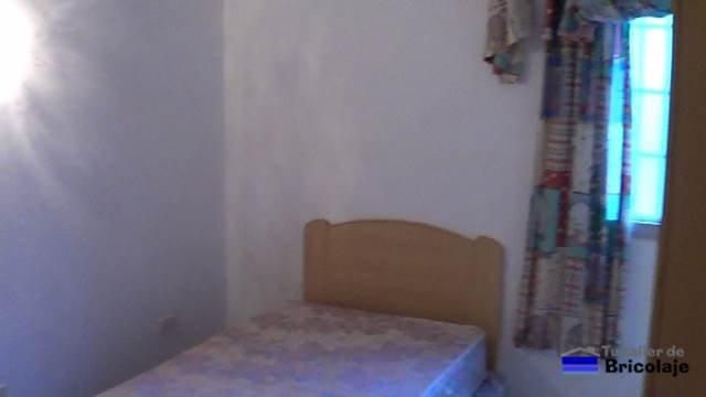la habitación pequeña antes del lavado de cara