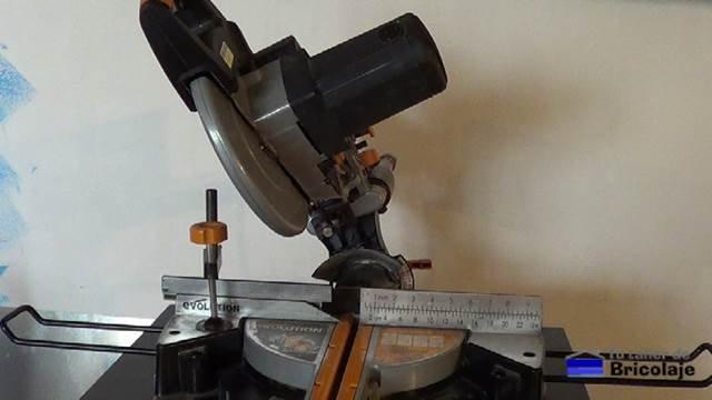 posibilidad de corte a bisel con la ingletadora telescópica multifunción