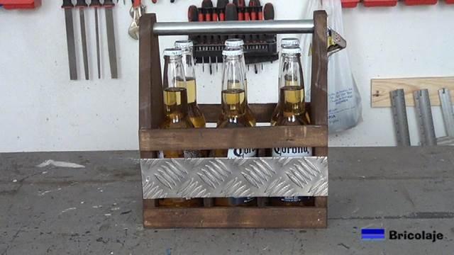 Cómo hacer un porta cervezas de madera y metal