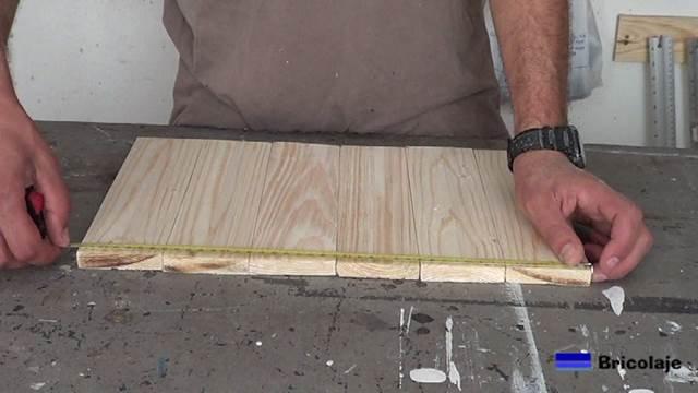 midiendo el ancho y largo para cortar los ángulos de aluminio