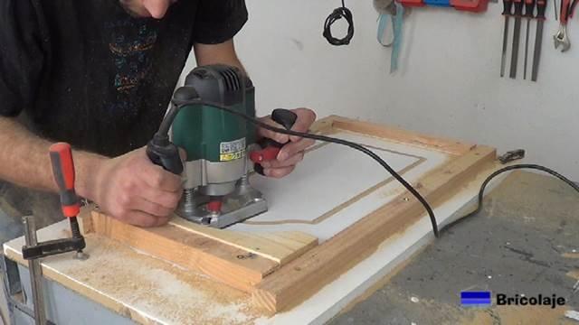 fresando un arco de medio punto en la madera en mdf