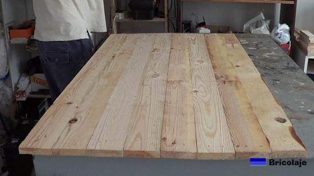 C mo unir madera de palets con tarugos o espigas for Como hacer un piso con palets