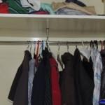 Cómo arreglar el perchero de un armario