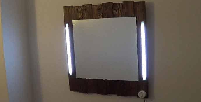 C mo hacer un espejo de palets y leds 2 2 for Espejos con iluminacion