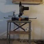 Cómo reforzar la mesa con tornillos para una máquina